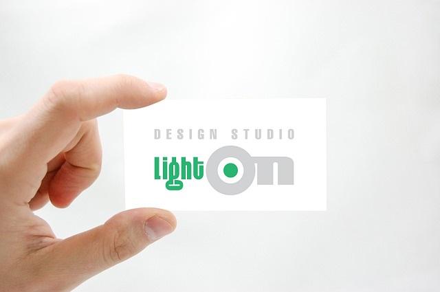 печат-визитки-пловдив-light-on